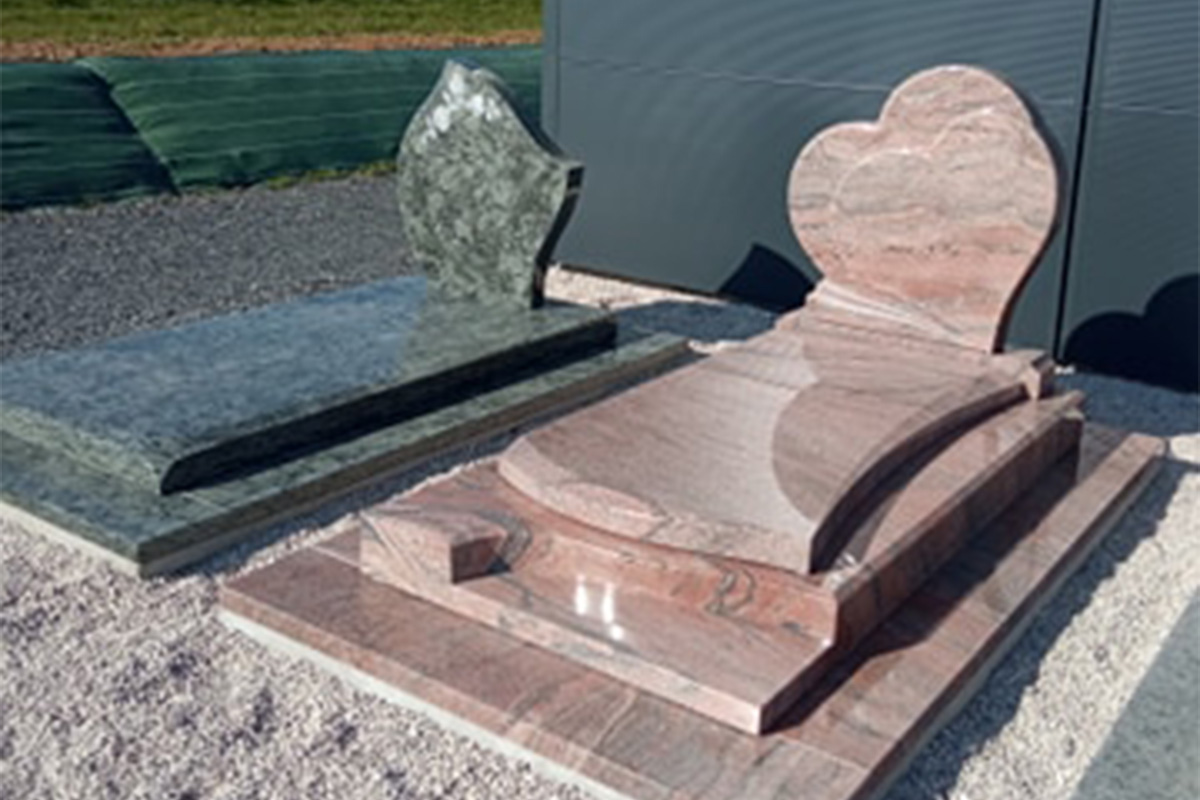 becart-monuments double coeur et vert olive caen
